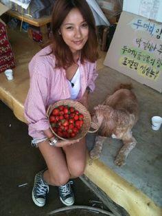 Lee Hyori becomes a strawberry girl! #allkpop #LeeHyori