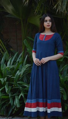 Beautiful cotton-Linen long kurti /maxi dress with beautiful color grading. Salwar Pattern, Kurta Patterns, Gown Pattern, Kurta Designs Women, Kurti Neck Designs, Salwar Designs, Mehndi Designs, Blouse Designs, Khadi Kurta