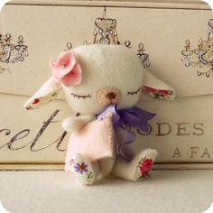 Gingermelon Dolls. Love the floral inside ears and on bottom of feet