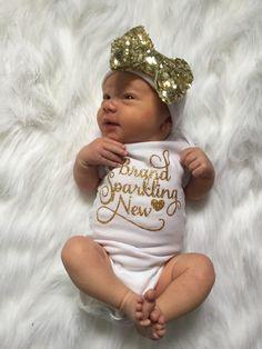 Daisy Flower in Glass Jar Baby Romper 0-18 Months Newborn Baby Girls Boys Layette Rompers Black