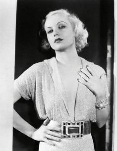 Carole Lombard is a true style icon. She could pull off casual looks just as well as complete silver screen glamour. A natural beauty, best. Vintage Hollywood, Old Hollywood Glamour, Golden Age Of Hollywood, Classic Hollywood, Hollywood Fashion, Hollywood Jewelry, Carole Lombard, Classic Actresses, Hollywood Actresses