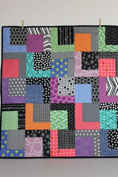 Modern Baby Quilt Robbie Contemporary by iheartbabyquilts on Etsy Lap Quilts, Scrappy Quilts, Small Quilts, Quilt Blocks, Quilting Projects, Quilting Designs, Art Quilting, Black And White Quilts, Baby Quilt Patterns