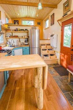 Meet Eric and Oliver's Cedar Mansion built by MitchCraft Tiny Homes in Fort Collins, Colorado. The 33 ft. THOW was built on a 10 ft. wide gooseneck trailer and includes tons of space, includi… Best Tiny House, Tiny House Cabin, Tiny House Living, Tiny House On Wheels, Small House Plans, Living Room, Tiny House Layout, Tiny House Design, House Layouts