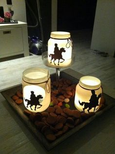 Sinterklaas by candlelight Fete Saint Martin, Christmas Candles, Christmas Crafts, Hl Martin, Diy For Kids, Crafts For Kids, Mason Jar Candles, Saint Nicholas, Bottle Lights