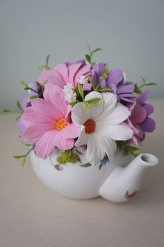 Cosmos Paper Flowers Craft, Flower Crafts, Diy Flowers, Flower Vases, Spring Flowers, Flower Art, Beautiful Flowers, Beautiful Pictures, Polymer Clay Flowers