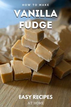 Easy Home Recipes, Easy Baking Recipes, Sweet Recipes, Cooking Recipes, Home Made Fudge Recipe, Best Easy Fudge Recipe, Keto Dessert Easy, Dessert Recipes, Candy Recipes