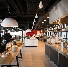 #lampenundleuchten.at #Innenbeleuchtung #Deko #Außenbeleuchtung #Cafe #Restaurant Pizzeria, Bar Lighting, Conference Room, Cafe Restaurant, Kitchen, Table, Furniture, Home Decor, Hotels