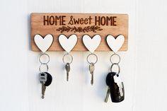 """Bello colgador decorativo original para llaves con corazones y bello mensaje """"Home Sweet Home"""" #keychain #keychainhanger"""