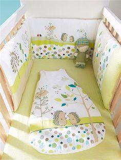 une nuit en pleine nature facile avec ce tour de lit ultra confort petits renards jolis. Black Bedroom Furniture Sets. Home Design Ideas