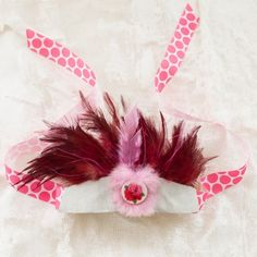 Going a little headdress made today! here is a gorgeous pink feathery piece from Birdskull.
