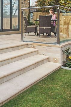 Bullnose steps finish off a garden beautifully and add a really luxurious tone. These have been crafted in Marshalls Fairstone Sawn Veruso to match the paving. Patio Steps, Garden Steps, Garden Paths, Outdoor Steps, Back Garden Design, Patio Design, Ideas Estanque, Backyard Patio, Backyard Landscaping
