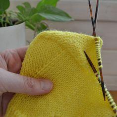 Knitted Hats, Coin Purse, Socks, Purses, Wallet, Knitting, Fashion, Handbags, Moda