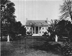 3233 Euclid Avenue was the home of the Carlin family. Anthony Carlin was actually the last to build a residence on the avenue having finished construction in 1911