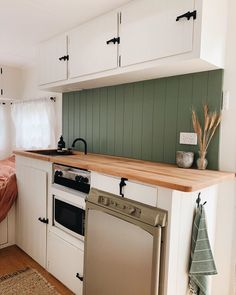 A collection of Millard caravan renovations to inspire your own DIY renovations. These Australian renovations include total gus to minor refreshes. Diy Renovation, Interior, Caravan Renovation Diy, Home Renovation, Van Home, Caravan Decor