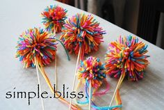 Simple Bliss: Yarn Pom Poms using multicoloured yarn Summer Crafts, Crafts For Kids, Arts And Crafts, 2nd Birthday, Birthday Parties, Halloween Birthday, Birthday Ideas, Yarn Crafts, Diy Crafts