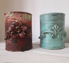 Clay Mold Appliques for Tin Can Planters: A Vintage Craft - Unique Balcony & Garden Decoration and Easy DIY Ideas Tin Can Crafts, Cute Crafts, Metal Watering Can, Chicken Painting, Diy Cans, Painted Jars, Altered Bottles, Diy Planters, Vintage Crafts