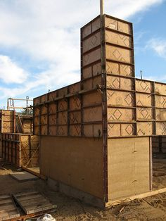 Rammed Earth House - Corner Forms