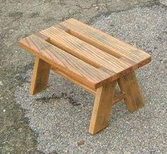Discover thousands of images about Stool Small Wood Projects, Diy Pallet Projects, Woodworking Projects Diy, Woodworking Bench, Pallet Furniture, Furniture Projects, Rustic Furniture, Furniture Design, Small Stool