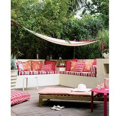 Red and orange patterned terrace - Home and Garden Design Ideas