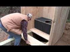 Building an Off Grid Outhouse .........start to finish - YouTube Building An Outhouse, Building A Cabin, Cabin Bathrooms, Off The Grid, Emergency Preparedness, Diy Woodworking, Tiny Houses, Cabins, Homesteading