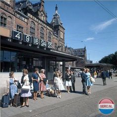 1960's. View on the Stationsplein in Amsterdam. In the background the Centraal Station. Photo Serc. #amsterdam #1960 #Stationsplein
