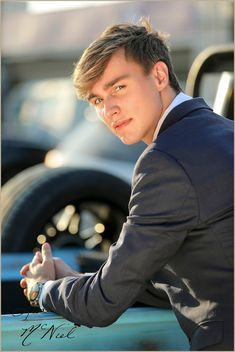 Senior Pictures for Boys who are Singers and like Choir by Dallas Photographer Lisa McNiel