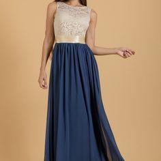 Φόρεμα maxi από δαντέλα και μουσελίνα