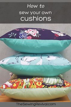 A super easy way to sew your own cushions without zips or buttons. A perfect project for beginner sewers. Easy Sewing Projects, Sewing Projects For Beginners, Sewing Hacks, Sewing Tutorials, Sewing Ideas, Pdf Sewing Patterns, Free Sewing, Diy Cushion, Fun At Work
