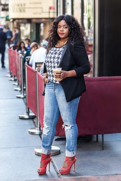 Laidback with a twist. Perhaps I would try with heels a tad shorter, but overall great styling. image1-682x1024 Curvy fashion - plus size fashion