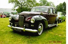 1952 Humber Super Snipe. Adding this picture because dad bought one when he sold the Hillman ute. Now we travelled in style. Protected from the weather.
