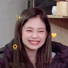 Kim Jennie, Blackpink Video, Rapper, Blackpink Members, Black Pink Kpop, Blackpink Photos, Blackpink Fashion, Girl Bands, Korean Celebrities