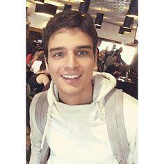 7 billion smiles and yours is my favourite. ❤ @eduardoperezactor  #eduardoperez #actor #modelo #colombia #italia #Vampitour #Francia #ChicaVampiro