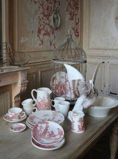 GIEN FRANCE Cake Plate vintage style by Rasa en Détail online shop: http://rasa-en-detail.de/rasa-boutique/gien-platte-les-delices-des-quatre-saisons.html   #Vintage #decoration