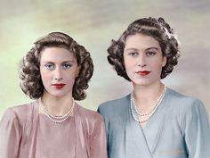 Princess Elizabeth (now Queen Elizabeth II) and her sister Princess Margaret. Prinz Philip, Prinz William, English Royal Family, British Royal Families, Lady Diana, Young Queen Elizabeth, Princess Margaret Young, Royal Queen, Royal Families