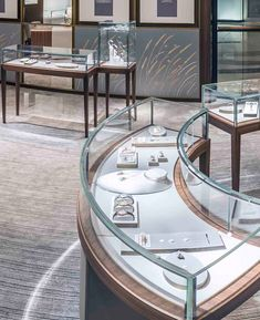 High End Jewellery Shop Display Counter Design Salon Interior Design, Showroom Design, Jewellery Shop Design, Jewelry Shop, Retail Display Cases, Shop Counter Design, Bedroom Door Design, Retail Store Design, Store Interiors