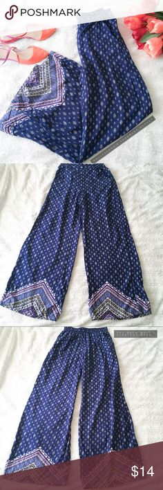 """Boho Paisley Palazzo Pants ✦   ✦{I am not a professional photographer, actual color of item may vary ➾slightly from pics}  ❥waist:12.5"""" w/stretchy waist band on back ❥hips:17"""" ❥length:41"""" ❥inseam:30.5"""" ➳material/care:no info/no stretch except at stretchy band waist  ➳fit:a billowy xs  ➳condition:gently used   ✦20% off bundles of 3/more items ✦No Trades  ✦NO HOLDS ✦No transactions outside Poshmark  ✦No lowball offers/sales are final Xhilaration Pants Wide Leg"""