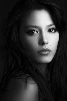 Photography black and white portrait models 46 best ideas Foto Portrait, Female Portrait, Beauty Portrait, White Photography, Portrait Photography, Woman Photography, People Photography, Beautiful Eyes, Beautiful Women