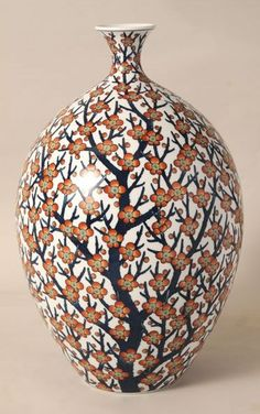 Arita artist Shoun FUJII (Japanese: - (Jar with Red Plum Blossoms design) - Total hand painting. Pottery Designs, Pottery Art, Ceramic Painting, Ceramic Art, Red Plum, Clay Vase, Beaded Curtains, Japanese Porcelain, Tag Art