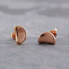 These polished bean rose gold earrings are a simple, sophisticated and classic addition to any collection. #Otisjaxon #Jewellery #Accessories