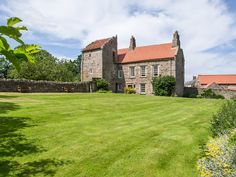 This exceptional, Grade II listed, ten-bedroomed country hall was built in the early 14th and 18th centuries.