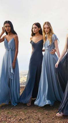 Jenny Yoo Spring 2019 Bridesmaids Chic bridesmaid dresses that you definitely want to wear again. Jenny Yoo's bridal shower collection for Spring 2019 (with post-wedding), which can be shortened… Dusty Blue Bridesmaid Dresses, Dusty Blue Weddings, Bridesmaid Dress Styles, Bridesmaid Outfit, Wedding Bridesmaids, Lavender Bridesmaid, Blue Dresses For Wedding, Mix Match Bridesmaids, Dusty Blue Dress