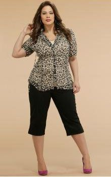 Whether You Like It Or Not Summer Happens Shorts Will Destroy You But Capri Pants Can Be Your Fri Plus Size Outfits Plus Size Fashion Plus Size Fashionista
