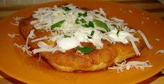Langosi unguresti Hungarian Recipes, Hungarian Food, Romanian Recipes, Romanian Food, Mini Pies, Cakes And More, Deserts, Dessert Recipes, Yummy Food