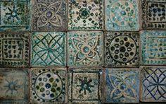 Dekor csempék | Konyárika - cserépkályha készítés, raku kerámia Tiles, Mosaic, Decorative Boxes, Ceramics, Blanket, Home Decor, Kitchens, Room Tiles, Ceramica