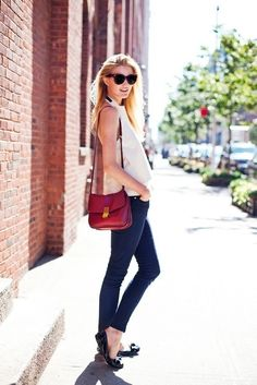 White blouse, skinnies and flats