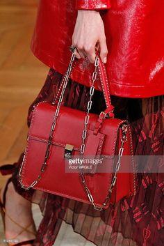 Fotografía de noticias : A model walks the runway during the Valentino...