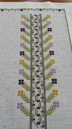 Folk Embroidery This Pin was discovered by Şey Funny Cross Stitch Patterns, Cross Stitch Love, Cross Stitch Borders, Modern Cross Stitch, Cross Stitch Designs, Cross Stitching, Wool Embroidery, Embroidery Patterns Free, Embroidery Stitches