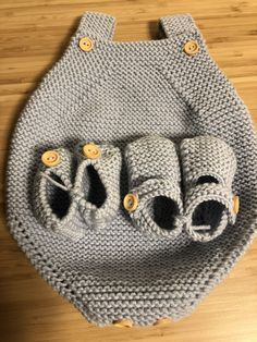 Knitted Hats, Slippers, Knitting, Shoes, Fashion, Baby Knitting, Dogs, Bebe, Moda