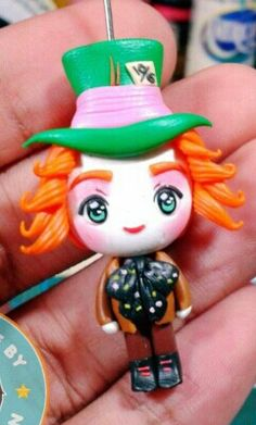 Polymer clay mad hatter by fern Polymer Clay Disney, Polymer Clay Kawaii, Polymer Clay Figures, Polymer Clay Dolls, Polymer Clay Miniatures, Polymer Clay Charms, Polymer Clay Projects, Clay Crafts, Polymer Clay Jewelry