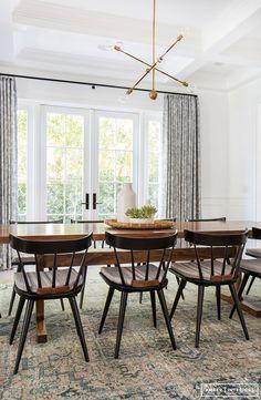 Beautiful dining room interior design with indie boho vibes via @amberinteriors